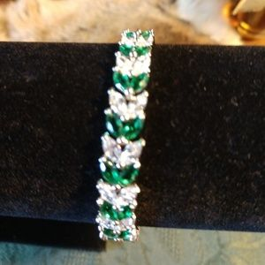 Emerald green and cubic zirconia stones bracelet